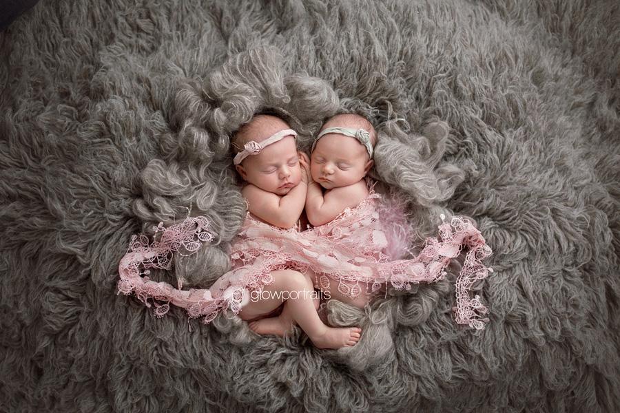 Newborn twins posing idea