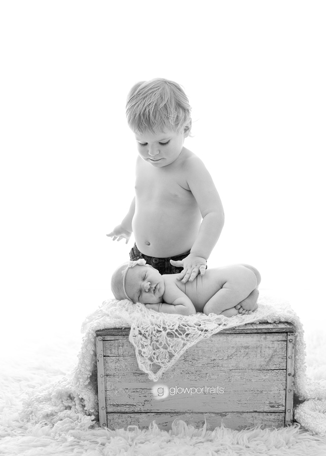 brother sister newborn image