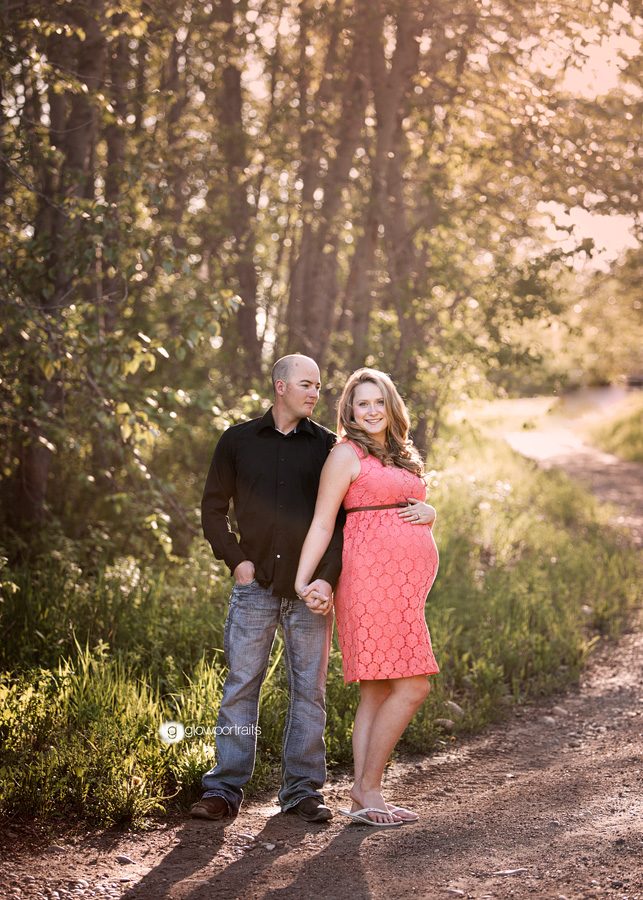 outdoor maternity session with couple