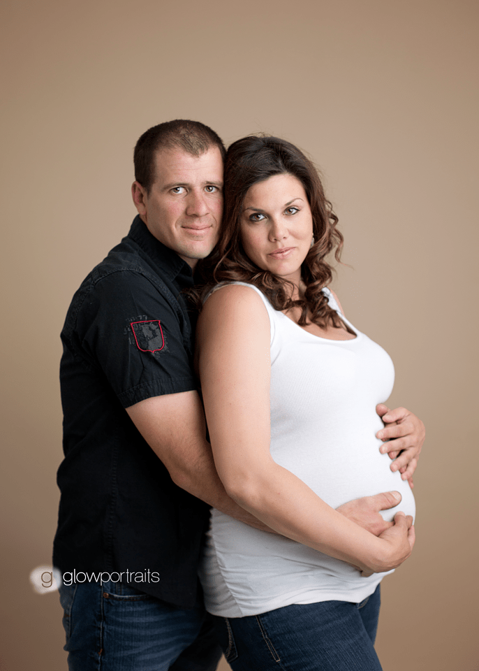 maternity photographer glow portraits