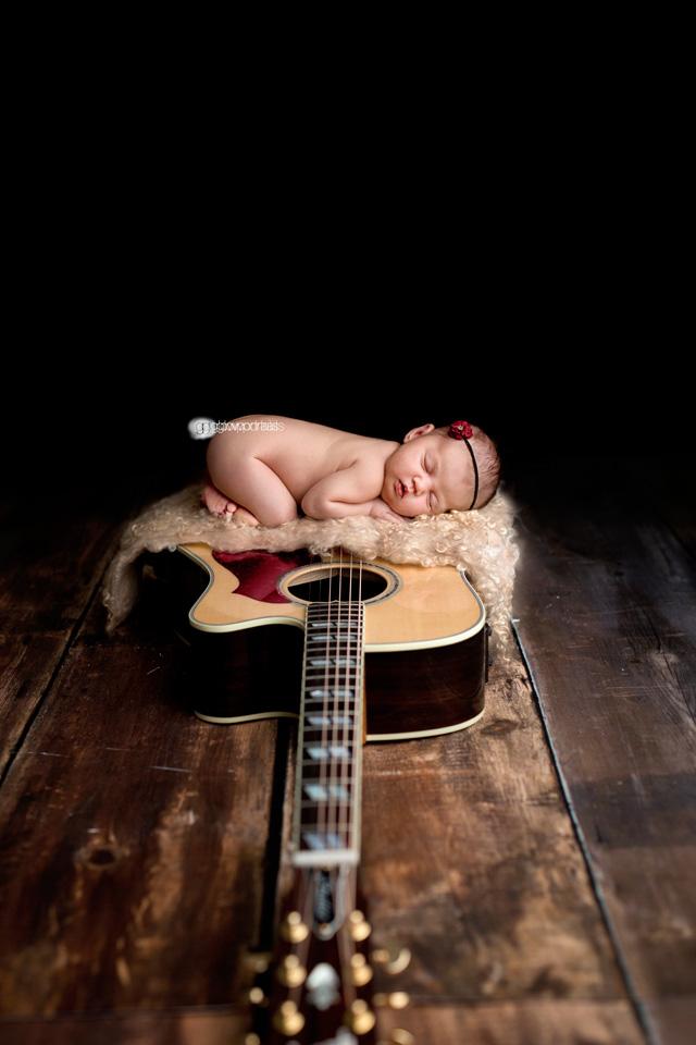 fort st joh newborn photographer