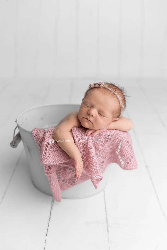 baby photographer glow portraits